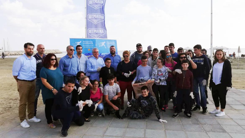 Συμβολικός καθαρισμός των Φοινικούδων στο πλαίσιο του «πράσινου» Radisson Blu Διεθνούς Μαραθωνίου Λάρνακας